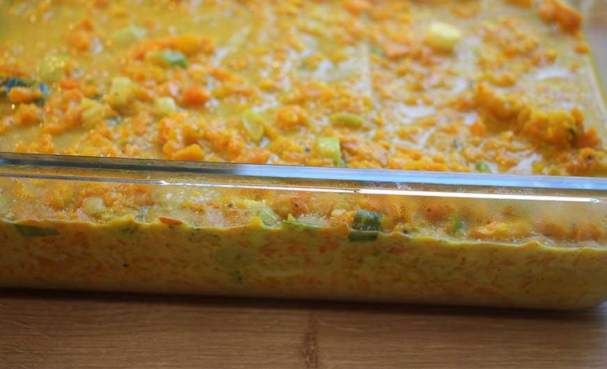 Lasagne ungebacken in Auflaufform