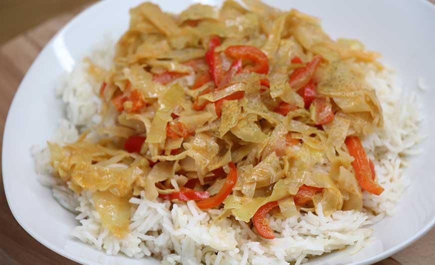 Teller Weißkraut mit Paprika