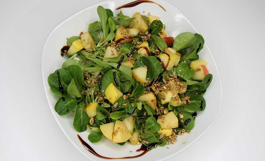 Ansicht von Oben Feldsalat fruchtig
