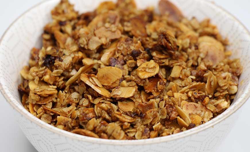 knuspermüsli mit nüsse