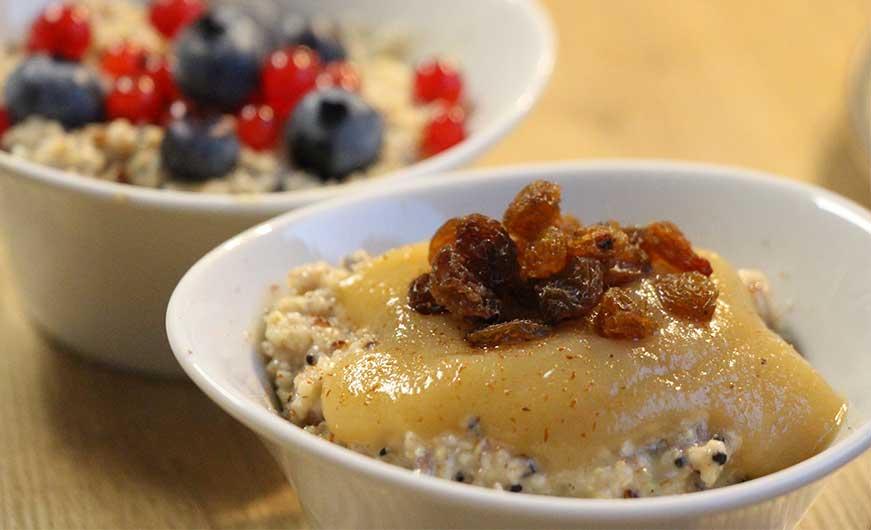 porridge mit apfelmus beeren